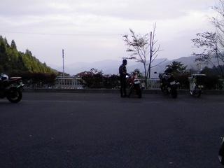 都民の森 バイク駐車場