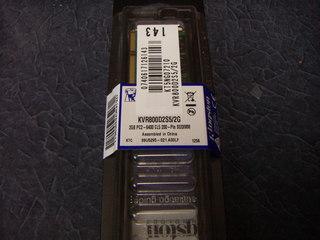 Kingston KVR800D2S5/2G パッケージ