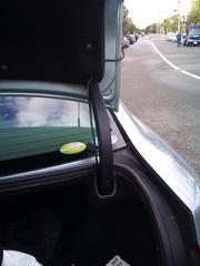 トランク内の配線