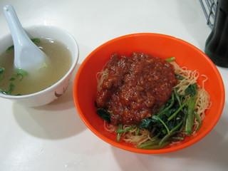 夜食のジャージャン麺