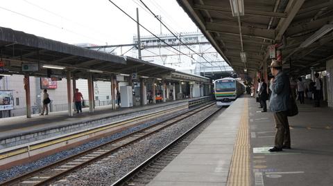 上尾駅から湘南新宿ライン 入線