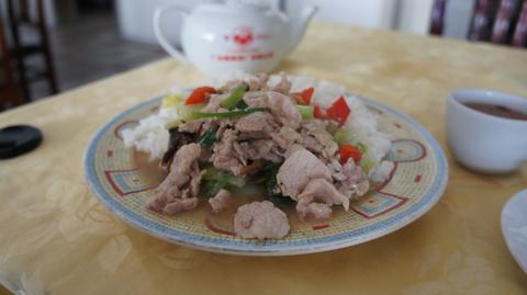 昼ごはんの青菜肉片飯
