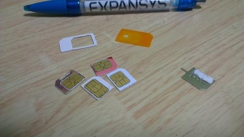 SIM カッターで MicroSIMにされた海外SIMカードたち