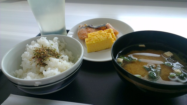 JALさくらラウンジで朝ご飯