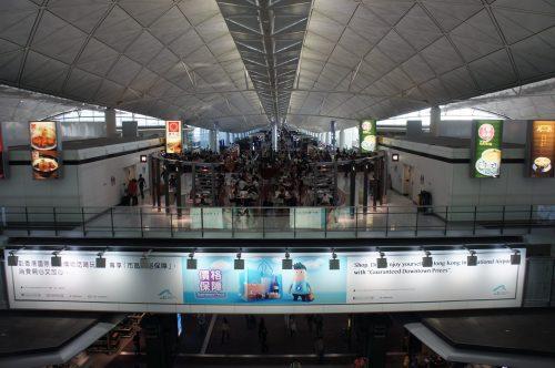 機場翠華の前の景色