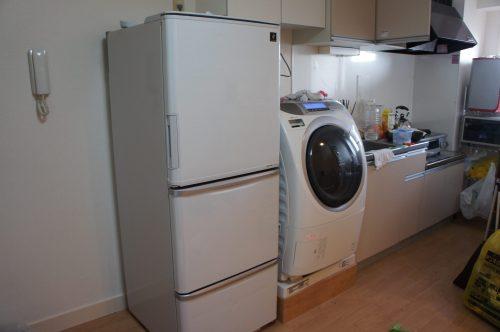 洗濯乾燥機と冷蔵庫が到着