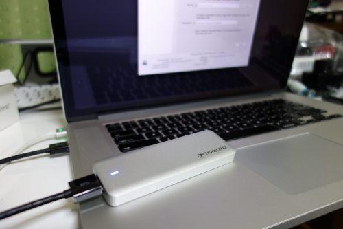 外付けケースに新しいSSDを入れて、今のSSDからデータ転送