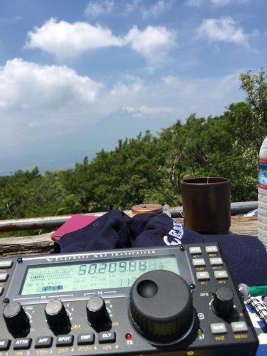 富士山を眺めながらの無線