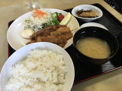 石和温泉の銭湯で豚バラ焼肉定食
